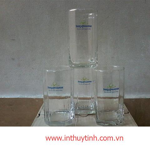 LY THỦY TINH